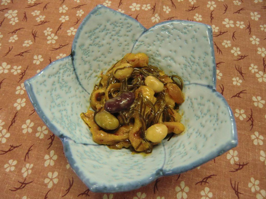 ピリ辛松前の豆サラダ